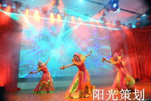 大连礼仪公司给大连东泉温泉假日酒店举行开业典