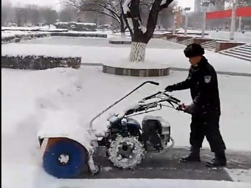 意大利原装进囗扫雪机