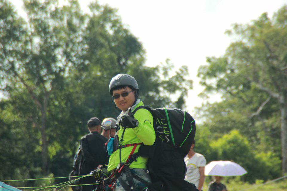 秦泽宇——滑翔伞带飞教练
