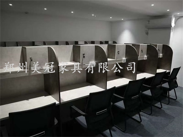 亳州大學生自習室桌子