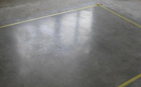 水泥地坪不平整怎麽處理