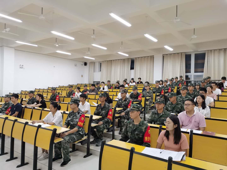 學生軍訓風采