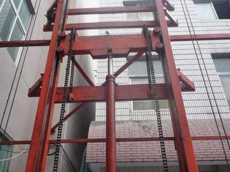 河南导轨式货梯厂家