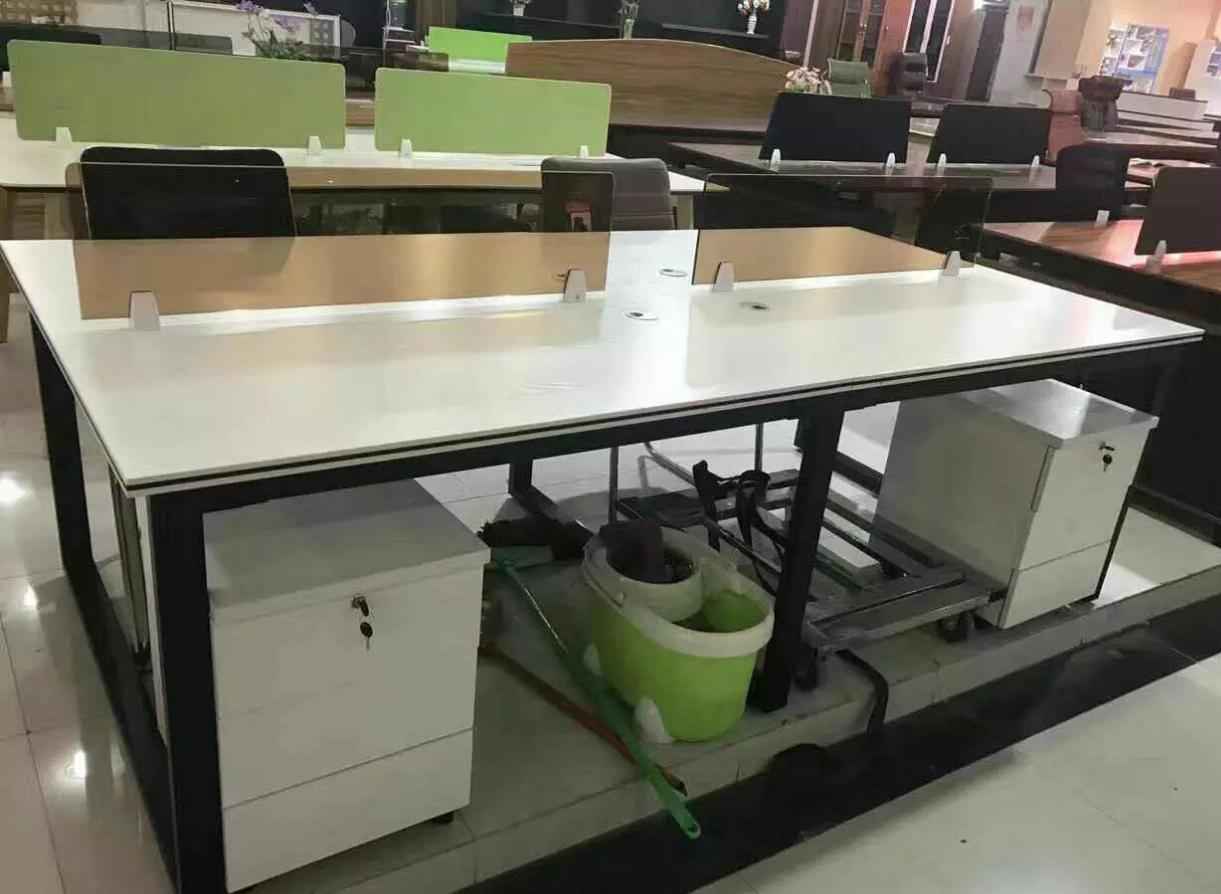 三门峡钢架腿电脑桌