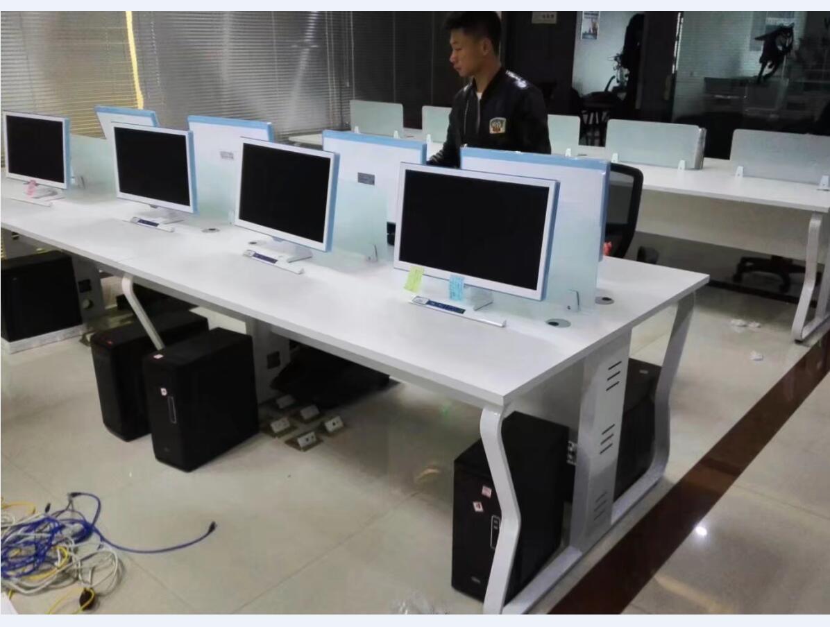 郑州隔断桌厂家