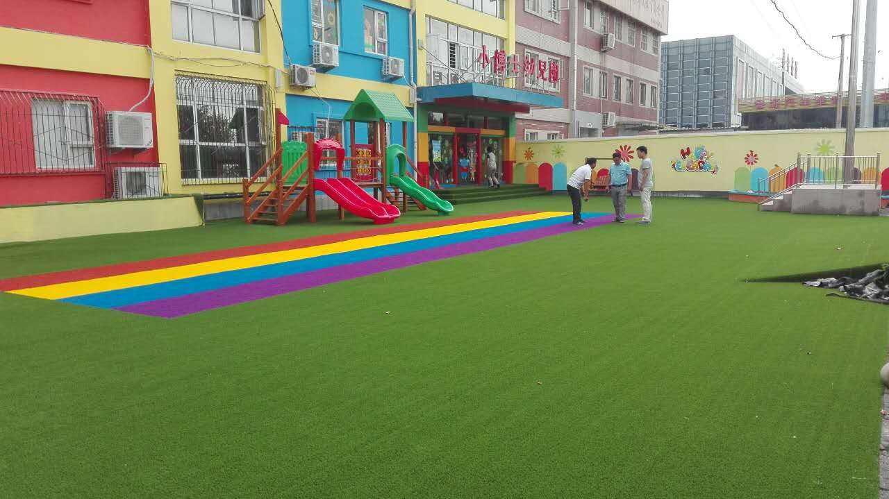 沈阳幼儿园草坪施工