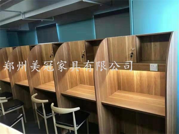 湖北考研自习室屏风桌