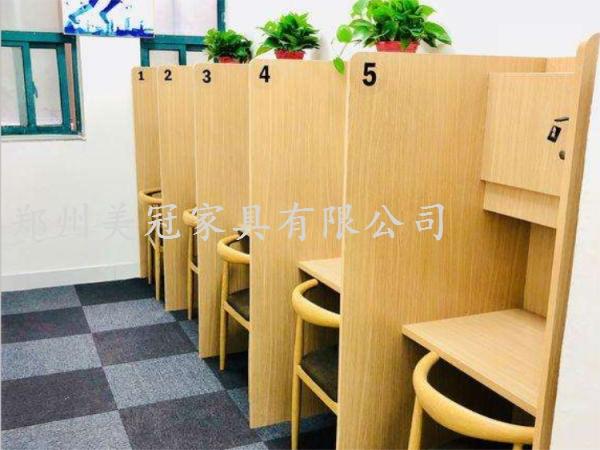 湖北共享教室课桌椅
