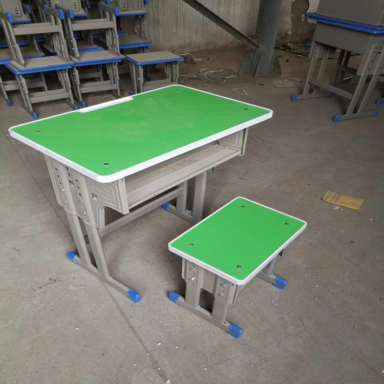 郑州可升降课桌凳