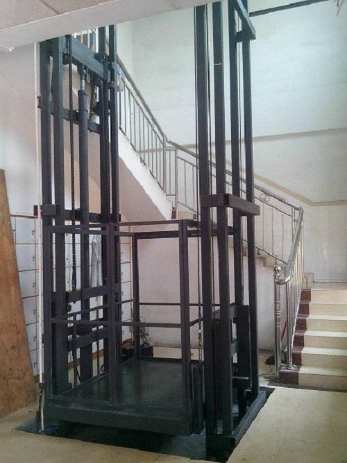 南宁货梯安装厂家