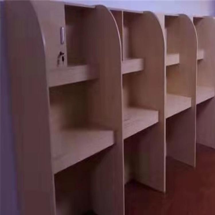 郑州考研自习室屏风桌