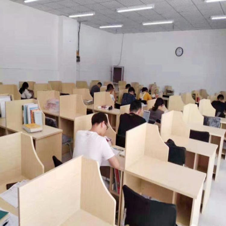 河南考研教室课桌