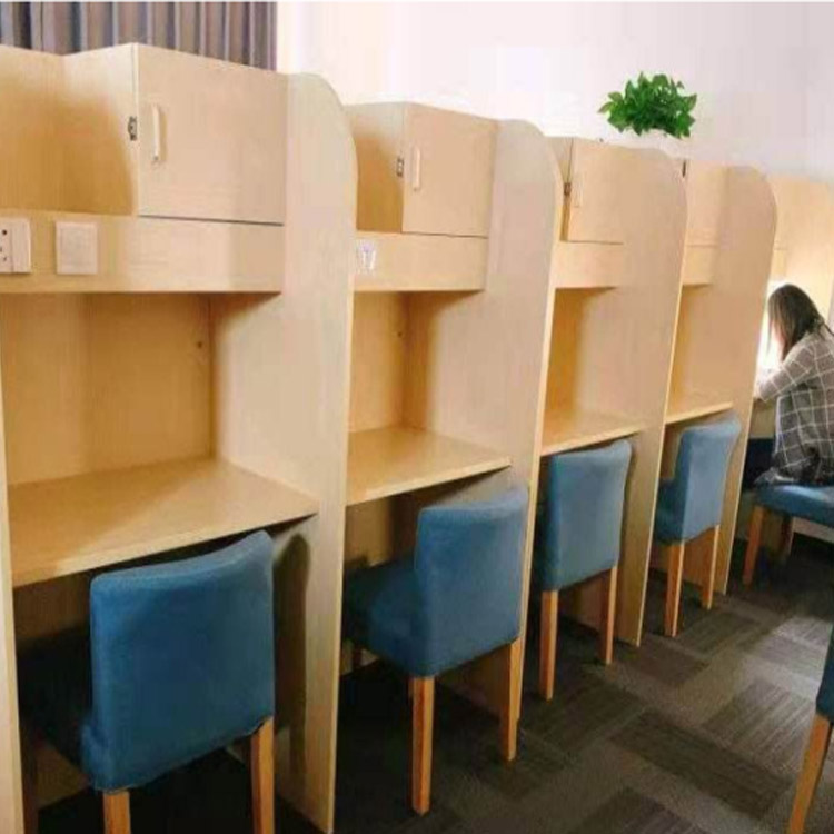 郑州共享自习室课桌