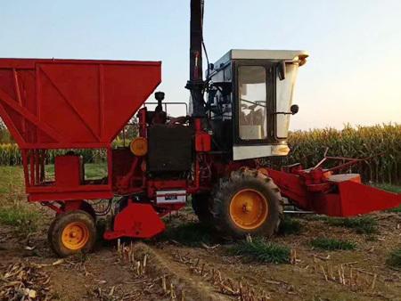 玉米茎穗兼收青储机