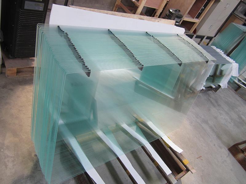 喷砂玻璃厂家