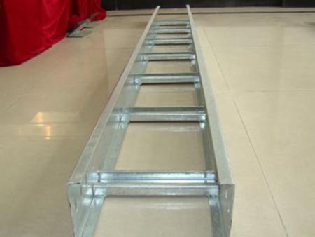 简单先容梯级式桥架各种材质的特点!